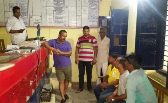 mankapur-kotwali-raided-by-DM Gonda